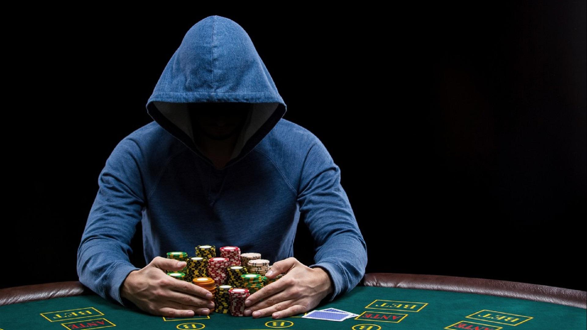 8 Trik Ampuh Kalahkan Bandar Judi Poker Online